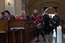 V Kadani tradičně zahájili  letošní sezónu včetně požehnání místního faráře Josefa Čermáka v kostele Povýšení svatého kříže. Na závěr akce proběhla  klasická spanilá jízda městem a do okolních obcí.
