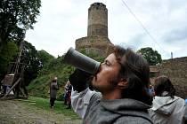 Okno do středověku uzavřelo hlavní sezonu na hradě Hasištejn.