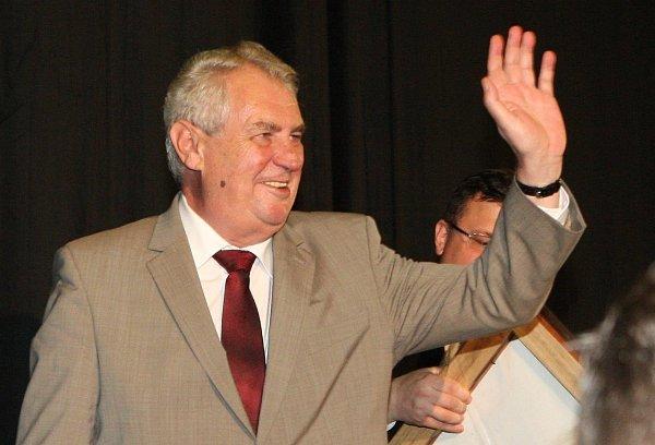 Prezident Miloš Zeman na návštěvě vJirkově a Chomutově.