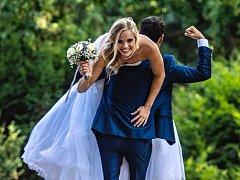 Chomutovská plavkyně Simona Baumrtová se provdala za fyzioterapeuta Kryštofa Kubu