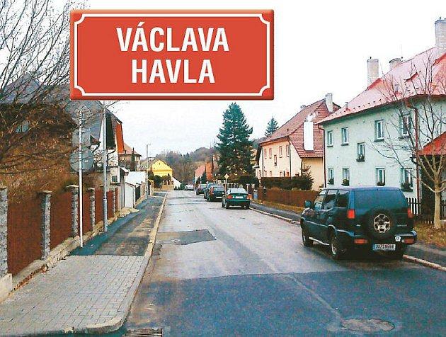 PŘEJMENUJÍ JI. Dnes se jmenuje Fučíkova, od léta už to bude ulice Václava Havla. Místní si budou muset změnit doklady, radnice ale slibuje, že nebudou nic platit a vyjde jim všemožně vstříc.