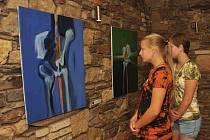 Výstava v chomutovském Sklepení Osudu.