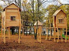 Nové lanové centrum v areálu Kamencového jezera poslouží dětským návštěvníkům