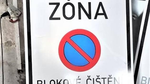 Ve středu pokračuje blokové čištění ulic města Jirkova.