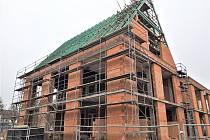 Nejdražší z investičních akcí, které město zařadilo do rozpočtu roku 2021, je pokračování rekonstrukce budovy čp. 1561 u radnice na náměstí.