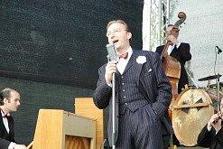 Odpoledne na klášterecké lázeňské zóně. Zazpíval i Ondřej Havelka.