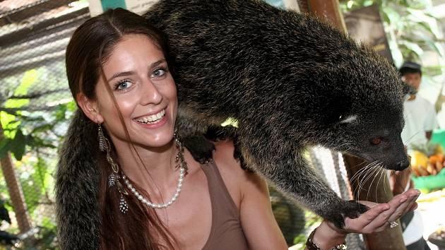 Jirkovanka Anna Avakjanová, finalistka České Miss, na soustředění na Filipínách.