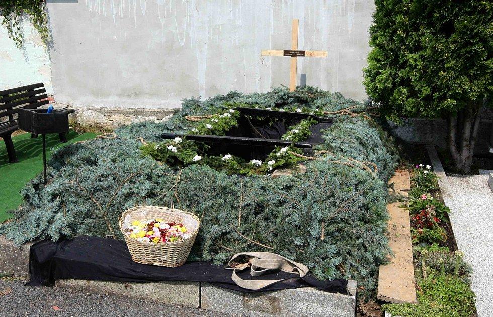 Pohřeb rotmistra Davida Beneše v Chomutově.
