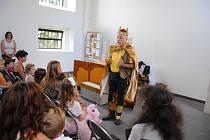 V jirkovské synagoze se hrála pohádka O sněhurce.