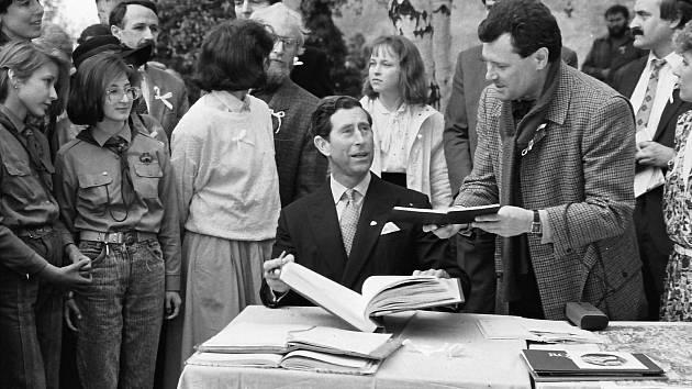 V roce 1991 zámek Jezeří navštívil následník britského trůnu princ Charles.