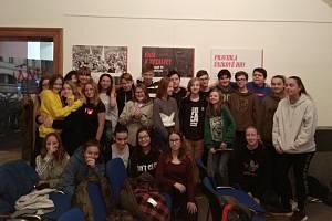 Školáci oslavili výročí revoluce