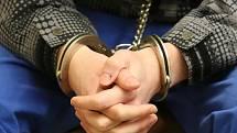 Muž skončí ve vězení za zmrzačení miminka.