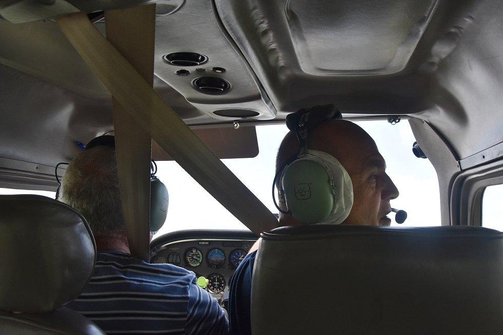 Ondřej Jungman je pilotem aerolinek a letový instruktor. S létáním začínal v 15 letech.