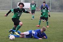 1. FC Spořice - FK Klášterec nad Ohří 1 : 0, domácí v zeleném.