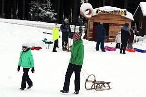 Do hor především o víkendech vyrážejí zástupy lidí. Podle ministra Blatného je to nebezpečné.