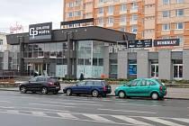 PARKOVACÍ MÍSTA se pro Chomutovany uvolnila například před starou poštou na Palackého ulici.