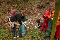 Jednou z víkendových akcí je tradiční jarní úklid přírodního parku Bezručovo údolí, který je oblíbenou rekreační zónou nejen obyvatel Chomutova.