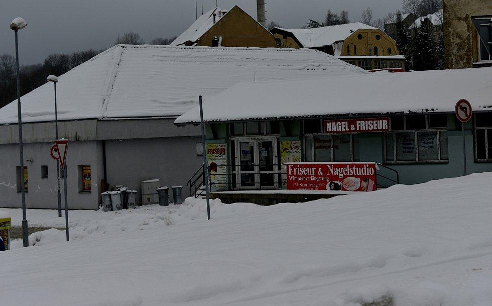 Obchodování na hraničním přechodu na rozhraní Čech a Německa.