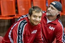 Chomutovští trenéři zleva Martin Bocian a Martin Hýsek se mohou po sobotě usmívat.