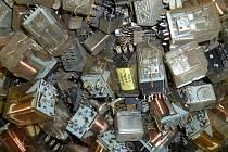 Bezplatná linka Chytrá recyklace lidem poradí, kam s vysloužilým elektrem.