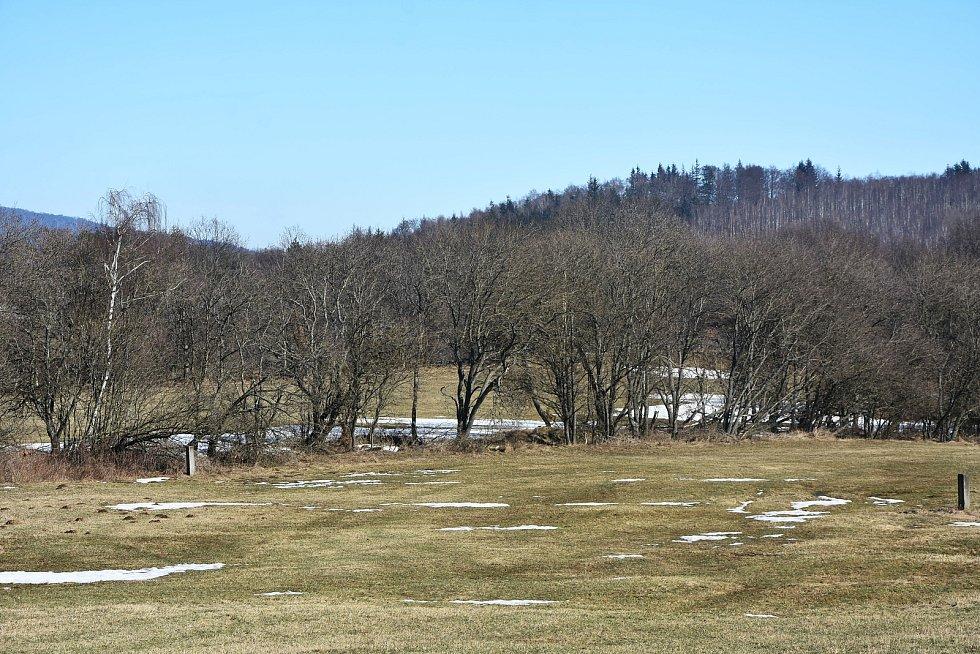 Krajina kolem Blatna je unikátní svými remízky, díky nimž je členitá.