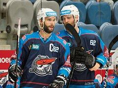 Kapitán Chomutova Michal Vondrka (vlevo) a Vladimír Růžička mladší.