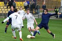 Fotbalisté AFK Loko (v tmavém) přezimují na třetím místě krajského přeboru