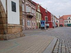 Mezi největší investice město počítá výměnu dlažby na historickém Mírovém náměstí.