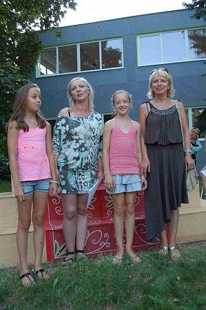 Jana Zelenková a ostatní účastnice autonehody Martina Hégrová a její dcery, dvojčata Sylvie a Julie. Iony byly vážně poraněny.