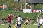 AFK LoKo Chomutov - FK Litol 4 : 1, domácí v bílém.