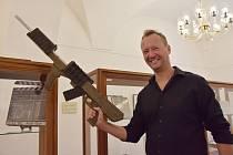 Radek Jirgl s Arnoldovým annihilatorem EM-1.