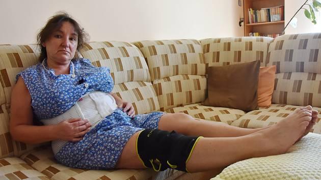Lenka Adamová (60) má zraněné koleno a záda. Na nemocenské stráví nejméně tři týdny.