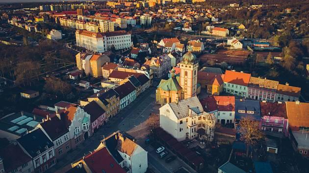 Letecký pohled na město Jirkov.