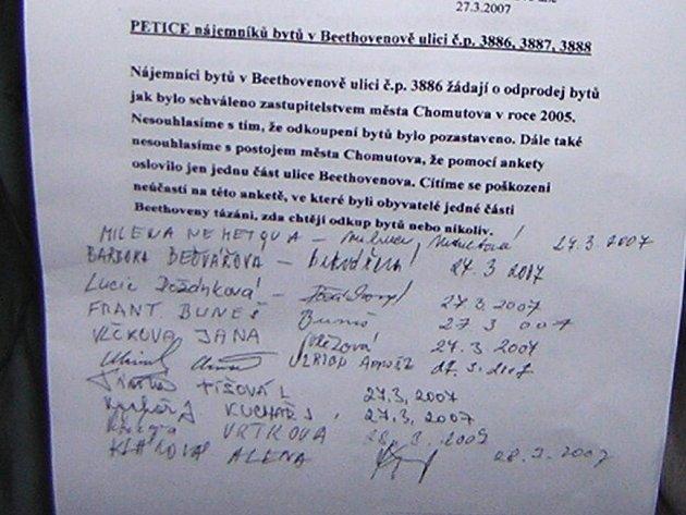 Petice, kterou podepsali nájemníci domů v Beethovenově ulici.