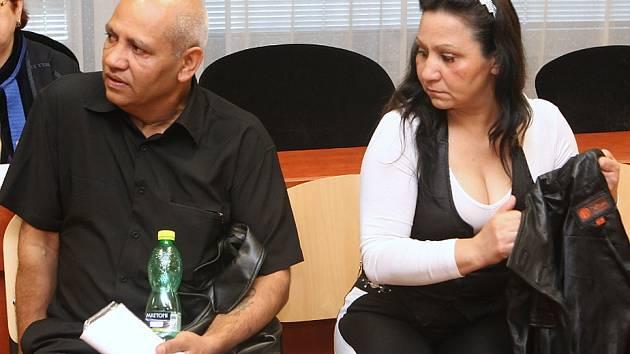 Tibor Gorol a Ludmila Gorolová, která měla mít hlavní slovo mezi obžalovanými. Všichni se cítí nevinní.