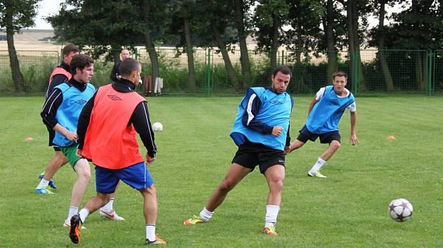 Z tréninku fotbalistů FC Chomutov v Údlicích.