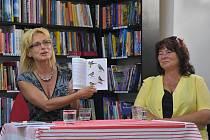 V Chomutově měly společnou autogramiádu dvě regionální spisovatelky Renata Šindelářová a Květoslava Kudláčková.