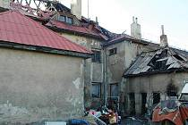 Zadní část domu, kde začalo hořet.