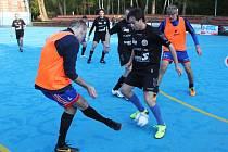 FC-R. Bisti - Palmeiras 2 : 0, hráči Palmeiras v černém