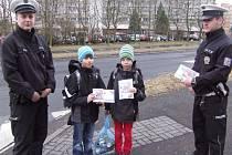 Děti se učily bezpečnosti na ulici.