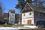 K Blatnu patří vesnice Květnov.