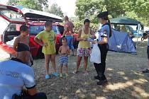 Až do září probíhá na koupalištích preventivní akce policie Bezpečně u vody. Návštěvníkům radí policisté jak věci nejlépe zabezpečit.