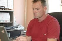 Trenér Radim Rulík při on-line rozhovoru v redakci Chomutovského deníku.