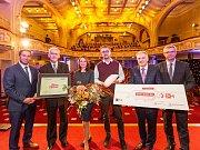 Martina Štefanková přebírá hlavní cenu