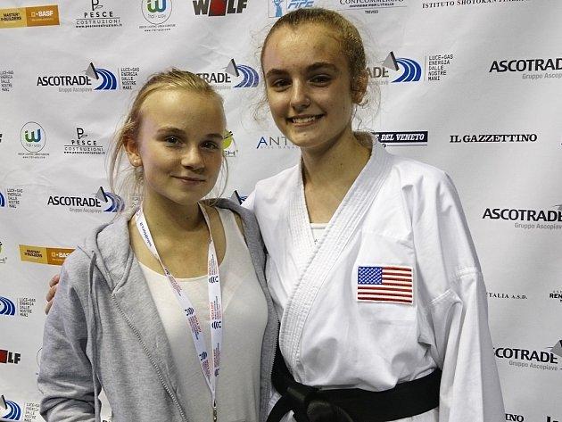 Kristýna Tesařová a její americká soupeřka Magdalena Zucek