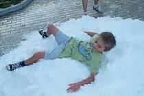 Při víkendové zkoušce si sněhu užily i děti.