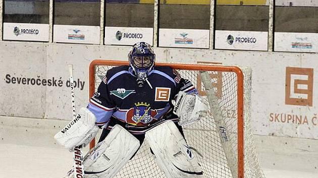 Kamil Jarina při návratu na chomutovský led.