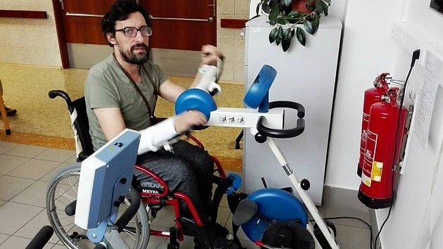Milan Tóth při rehabilitaci