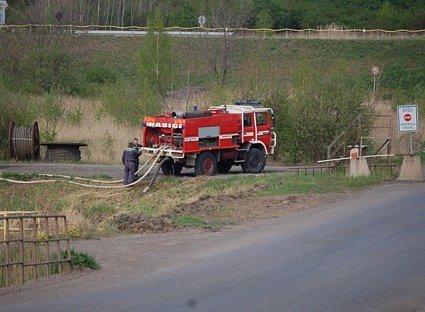 Snímek ze zásahu hasičů u tušimické skládky.