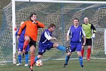 Černovice (v modrém) důležitý zápas nezvládly a podlehly poslední Kadani